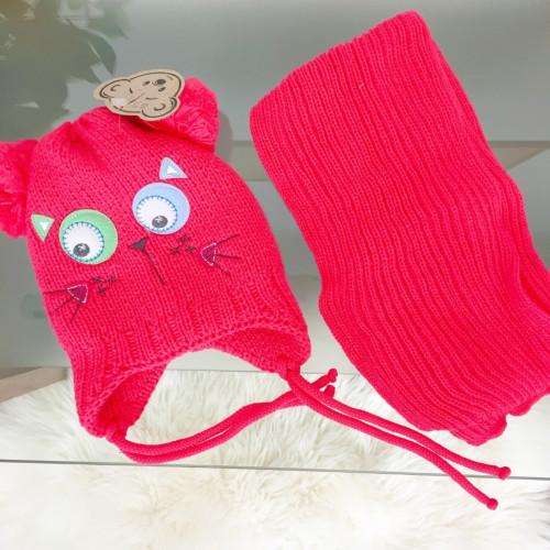 Cepure ar krāsainām actiņām un šalle (2-3 gadi)