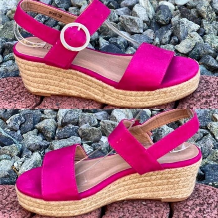 Fuksijas krāsas platformas sandales