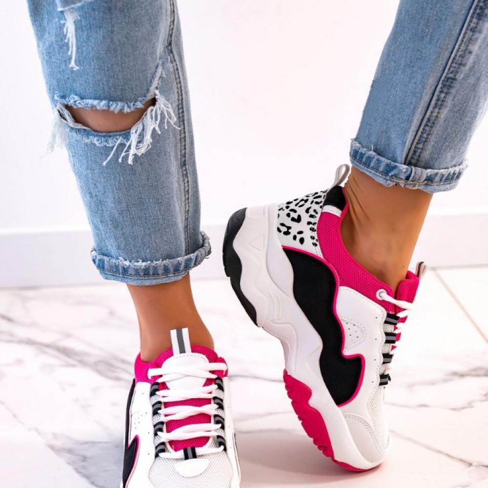 Platformas sporta apavi ar fuksijas krāsas akcentiem