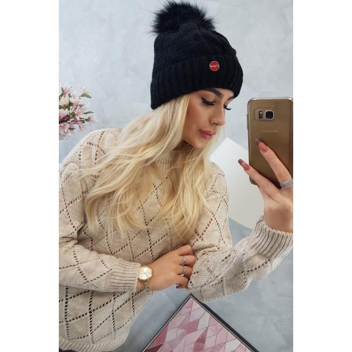 Cepure ar bumbuli - melna