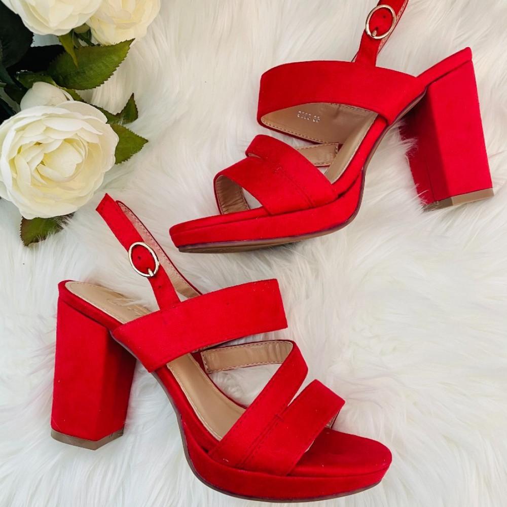 Augstpapēžu sandales - sarkanas