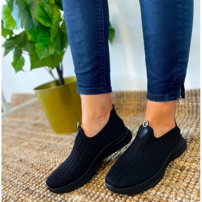 Melni sporta apavi bez šņorēm
