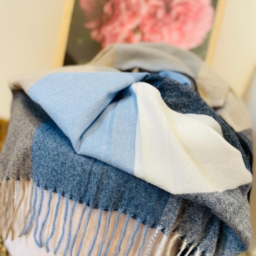 Rūtiņu šalle zila / balta