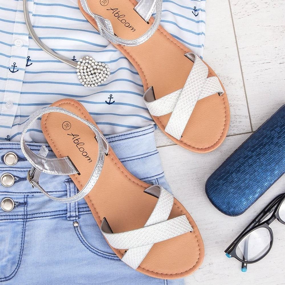 Sudrabotas sandales