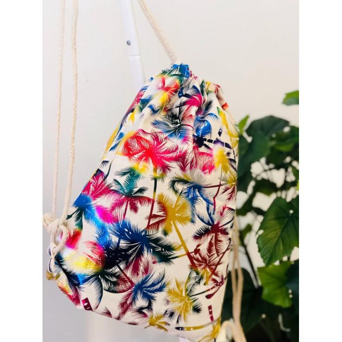 Mugursoma ar krāsainām palmām