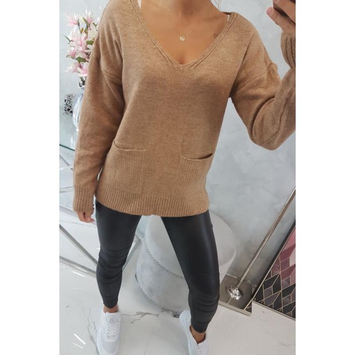 Brūns džemperis ar kabatām
